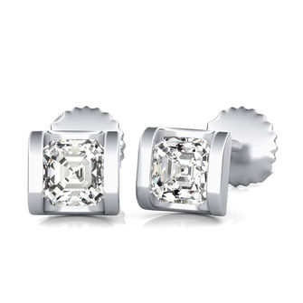 Half Bezel Stud Earrings